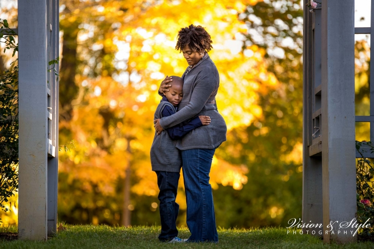 family photography session at inniswoods metro gardens